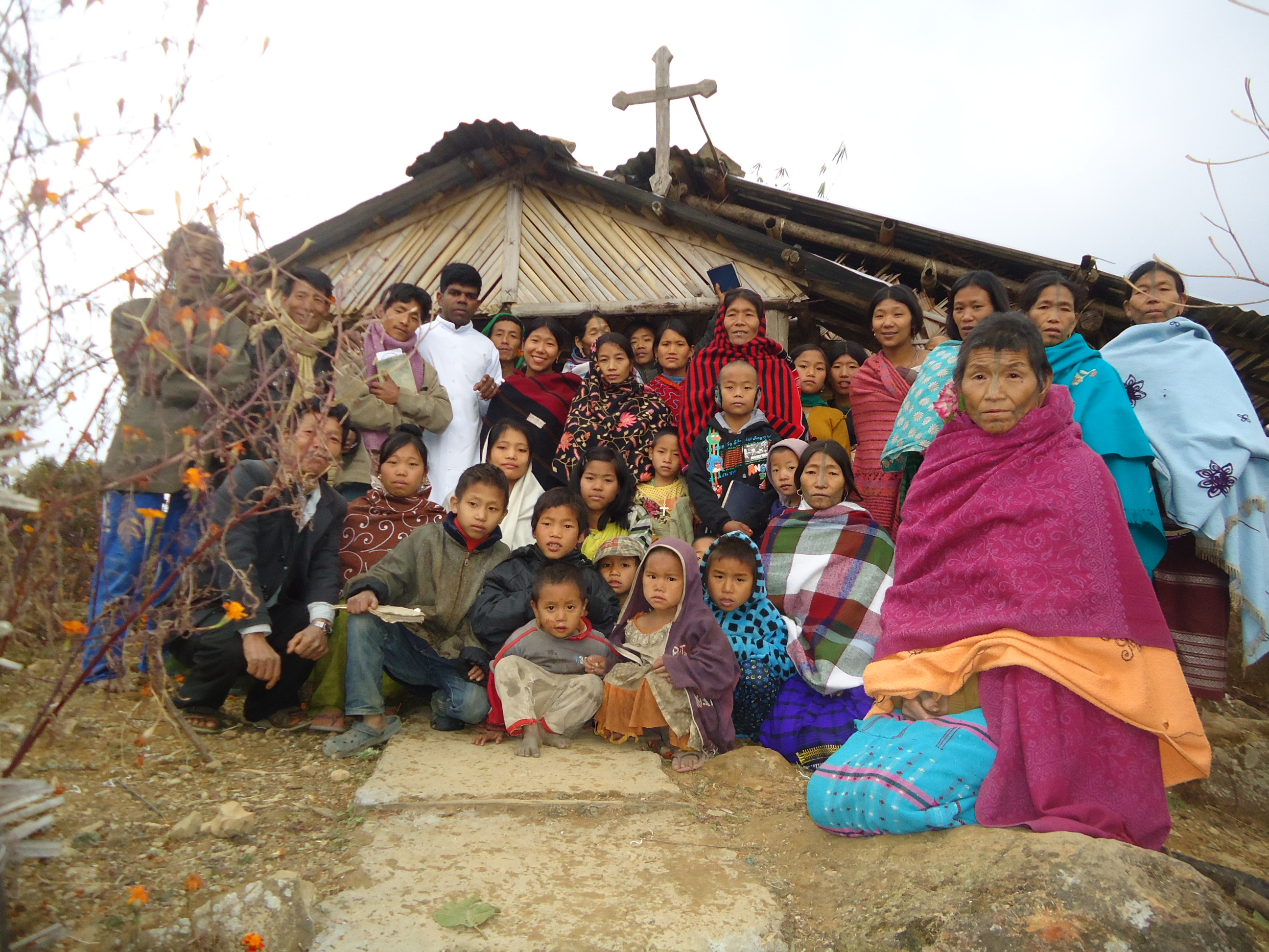 Our Missionary Fr. Jiby Mathew with his parishioners of Lanchian Village - Lazu parish
